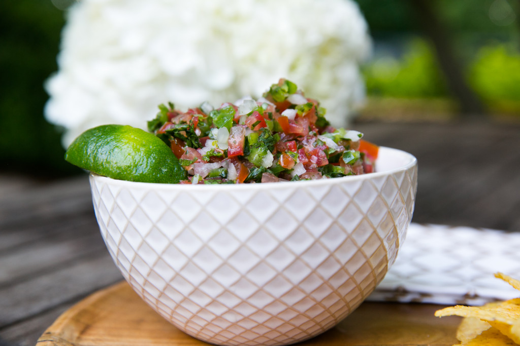 Fresh Salsa on www.thestylegathering.com